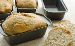 Fabrication de pain artisanale Image libre de droits