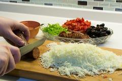 Fabrication de pizza de cuisine Photo libre de droits