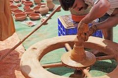 Fabrication de poterie Photos stock
