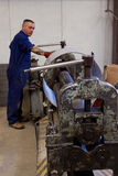 Fabrication de tube en métal Images libres de droits