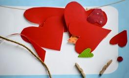 Fabrication de Valentine& x27 ; cartes de jour de s Photo libre de droits