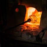 Fabrication de verre dans Murano photographie stock