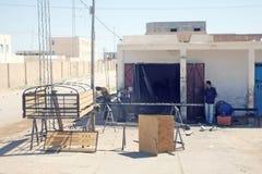 Fabrication des barrières en Sidi Ali Ben Aoun images stock