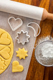 Fabrication des biscuits photographie stock