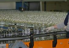 Fabrication des bouteilles en verre Images libres de droits