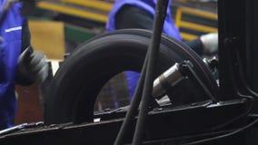Fabrication des pneus banque de vidéos