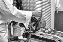 Fabrication des speculaas de `, pain d'épice images libres de droits