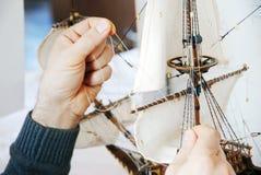 Fabrication du bateau en bois Images stock