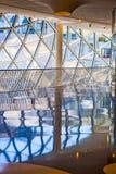 Fabrication du verre à l'intérieur du centre de myZeil Image libre de droits