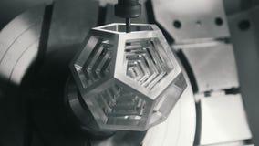 Fabricering av 3D särar på maskinen på fabriken arkivfilmer