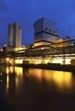 Fabriek bij nacht Stock Foto