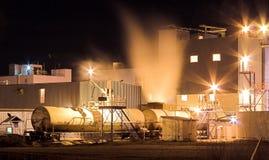 Fabriek bij Nacht. Stock Foto