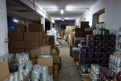 Fabriek het produceren klikt en schouwt Stock Foto