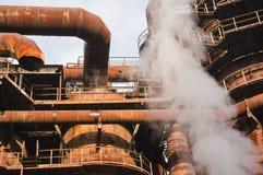 Fabriek met rook. Stock Foto's