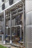 Fabriek voor de productie van alcoholische dranken stock afbeelding