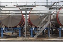 Fabriek voor de productie van alcoholische dranken Stock Foto's