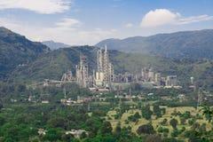 Fabrik i bergen Royaltyfria Bilder