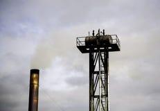 Fabrik med röklampglaset fotografering för bildbyråer