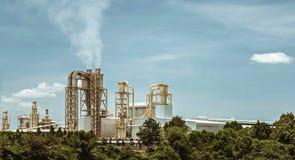 Fabrik und Umwelt stockfotografie