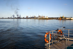 Fabriken in Amsterdam und im Fahrrad Stockfotos