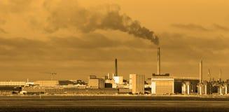 Fabriken und Verunreinigung Stockfotografie