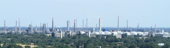 Fabriker i Bratislava Arkivbilder