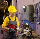 Fabrikfrauarbeitskraft lizenzfreies stockbild