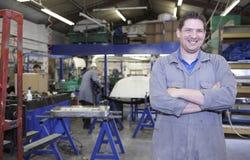 Fabrikfußbodenarbeitskraft Lizenzfreie Stockfotografie