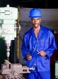 Fabrikmechaniker bei der Arbeit Lizenzfreies Stockfoto