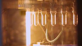 Fabriks- process för flaska Plast- tillverkningslinje Plast- bransch arkivfilmer