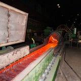 Fabriks- trådstålarbeten Stryka och stålsätta den metallurgical växten Royaltyfri Fotografi