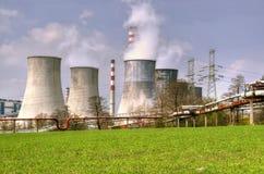 Fabrikschornsteine, Anlage in Polen Stockfotografie