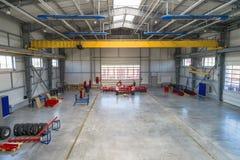 Fabriksenheten shoppar Tillverkning av jordbruks- maskineri royaltyfri fotografi