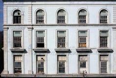 fabrikshavana fönster royaltyfria foton