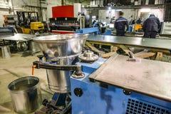 Fabryczna produkcja nowożytna metalworking produkcja przemysłowej stalowej wentylaci lotniczy systemy zdjęcie royalty free
