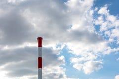 Fabryczny kominowy czerwony biały kolor Obrazy Stock