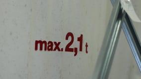 Fabryczny wyposażenie Znaczek na fabrycznej torbie zamknięty kwiatu komarnicy macro target4726_0_ zamknięty zdjęcie wideo