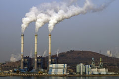 fabryka chemikaliów elektrownia obraz royalty free