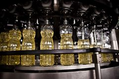 Fabryka dla produkci jadalni oleje shalna obraz stock