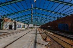 fabryka z stalową strukturą jako dach obrazy stock