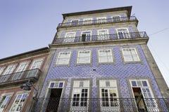 Facade av Lisbon, gammala hus Royaltyfri Bild