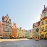 Facade av gammala hus, Wroclaw Fotografering för Bildbyråer