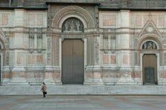 facadepetronio san arkivbilder