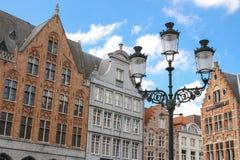 facades Marknadsfyrkant Bruges _ arkivbilder