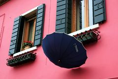Facades and umbrellas Royalty Free Stock Photography