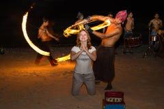 Faccia fuoco il festival contro la spiaggia, le Filippine di manifestazione Fotografie Stock