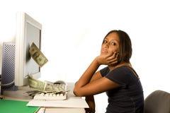 Faccia i soldi dal Internet Immagini Stock