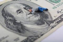 Faccia i soldi mentre dormite Immagine Stock Libera da Diritti