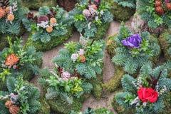 Faccia la spia e corone dai fiori, tutto il concetto del giorno di san Fotografie Stock Libere da Diritti
