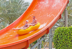 Faccia scorrere in Aqua Park fotografia stock